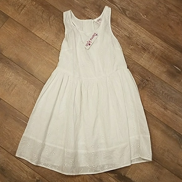 c5c2f5b7f54 Girls White Summer Dress Size 8 Floral Embroidery